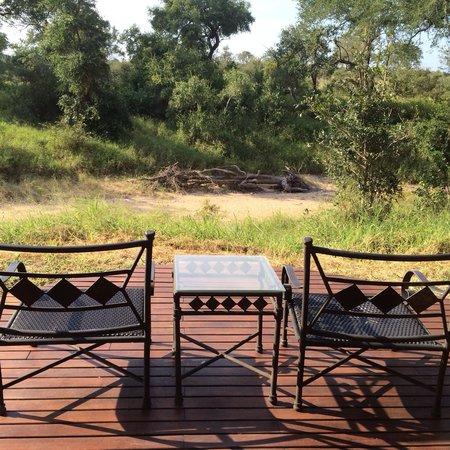 Hoyo-Hoyo Safari Lodge : Room private terrace