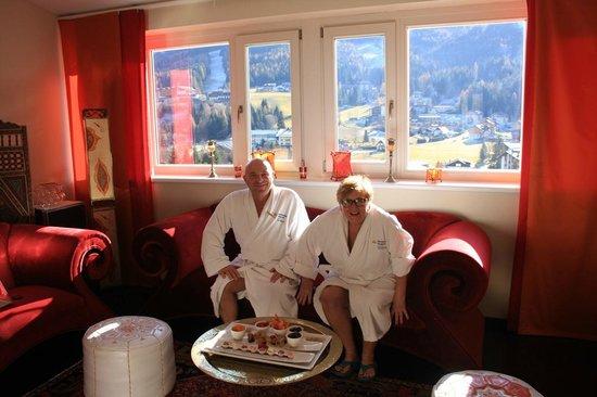 Das Ronacher - Therme & Spa Resort : seduti sul divano della suite imperiale