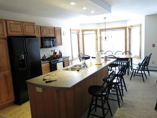 Jay Peak Resort: Village Townhouse - Kitchen