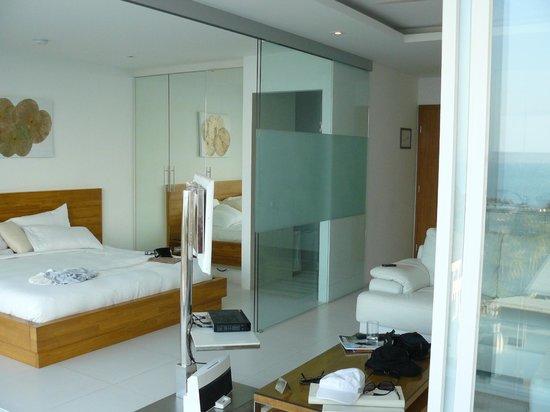 Code: bedroom area