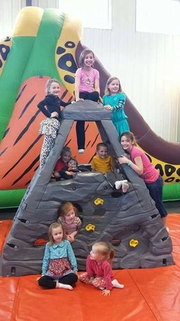 Jumpin' Jane's: Fun with friends!