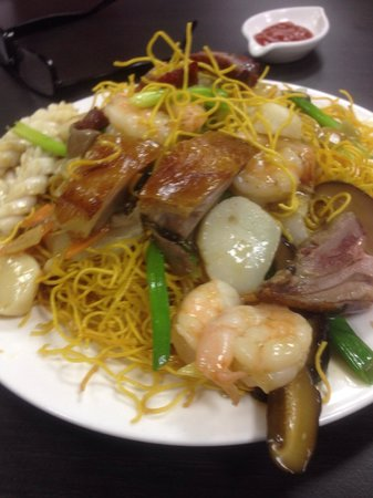 Wing kee hong kong style cafe: House special fried crispy noodles, excellent!
