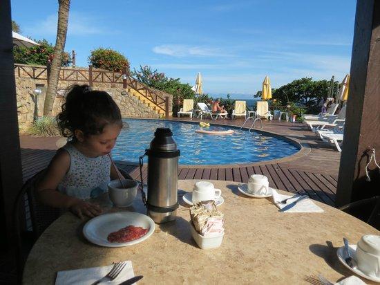 La Boheme Hotel e Apart Hotel : La pileta desde el sector descubierto del Restaurant