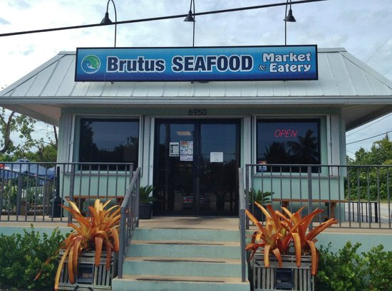 Brutus Seafood Market & Eatery : Entrance