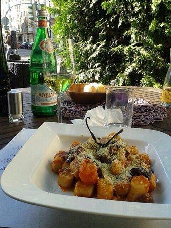 Ristorante Caffe Bocconi: Gnocchi alla norma