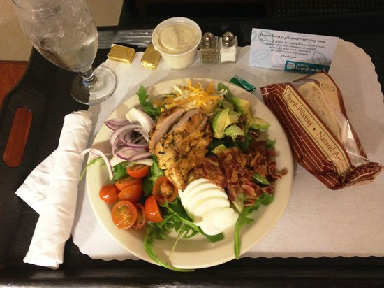 Hilton Garden Inn Fairfield: Room Service Chicken Cobb Salad