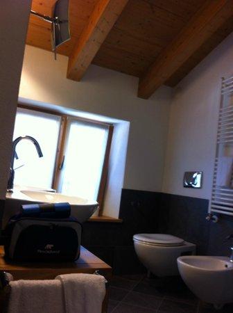 Hotel Meuble Sertorelli Reit: bagno doppio