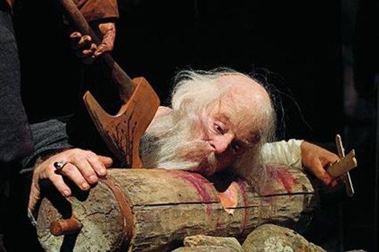 Saga Museum: Bishop Jon Arason beheaded