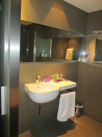 Ayre Gran Hotel Colon: Baño