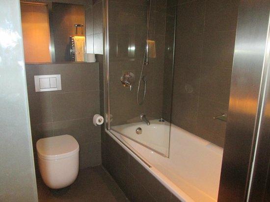 Ayre Gran Hotel Colon: Bañera