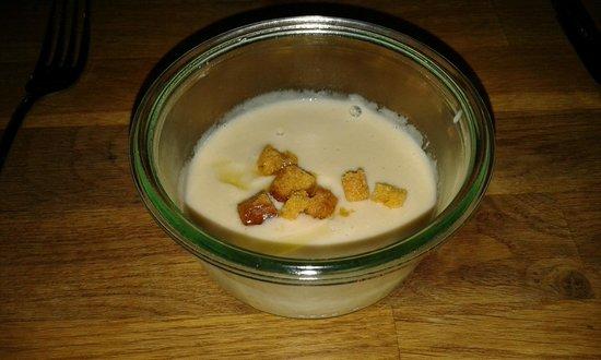 ORO Restaurant : Cauliflower soup - yum, yum