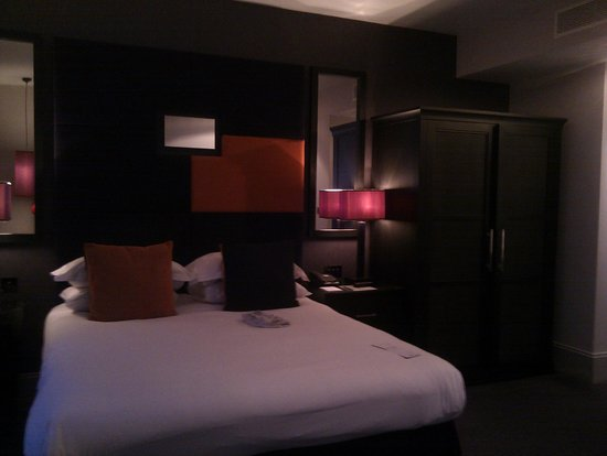 Malmaison Liverpool: bed