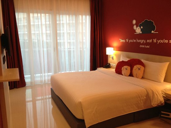 Sleep With Me Hotel: guest room