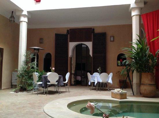 Dar Alif: salon
