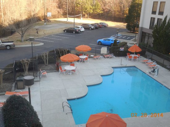 Hampton Inn - Rocky Mount: it was a little nippy for a dip but they keep it clean