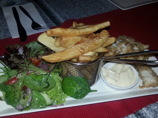 Salt Seafood Bar and Grill : Salt and pepper calamari.. yum!