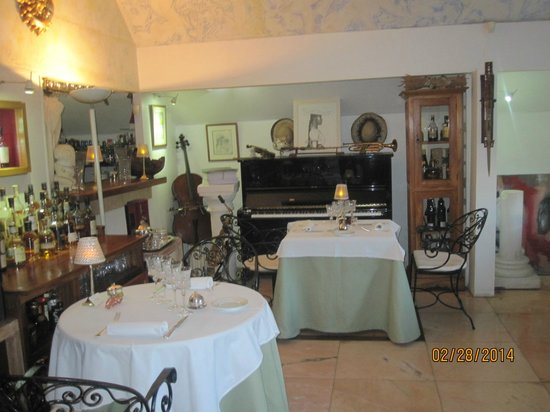 La Villa Mahana: One of the dining areas