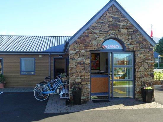 Hanmer Springs Scenic Views Motel : Bike stand