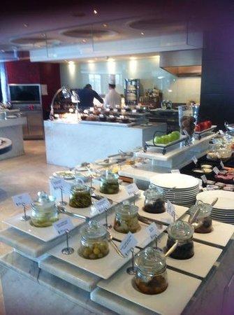 Radisson Blu Bosphorus Hotel, Istanbul : flawless breakfast room