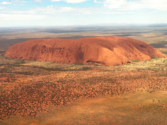 Professional Helicopter Services: Uluru dall'elicottero