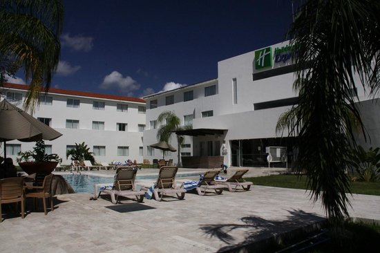Wyndham Garden Playa Del Carmen: A quiet area near the pool