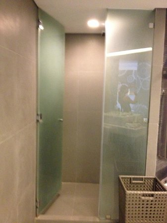 Astoria Boracay - Shower