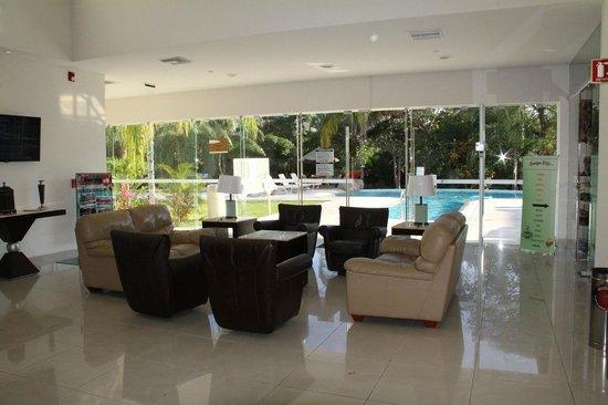 Holiday Inn Express Playa Del Carmen : The main lobby and sitting area