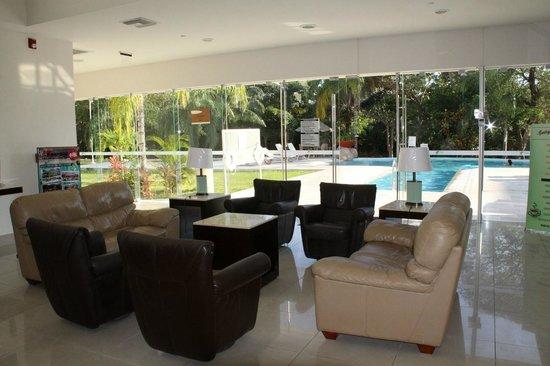 Holiday Inn Express Playa Del Carmen : The lobby area