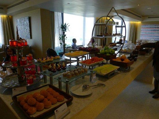 DoubleTree by Hilton Kuala Lumpur: Executive Lounge