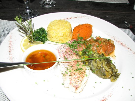 Ma Ti Beach Bar & Restaurant: Filet of red snapper