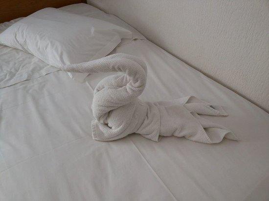 Del Rey Hotel: FOTOS DA ARRUMAÇÃO DO QUARTO