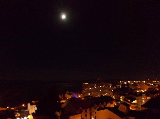 View Boutique Hotel: Luna llena desde mi cuarto!