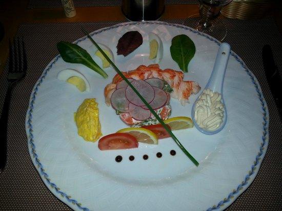 Santa Fe: lobster appetizer - half lobster Bellevue