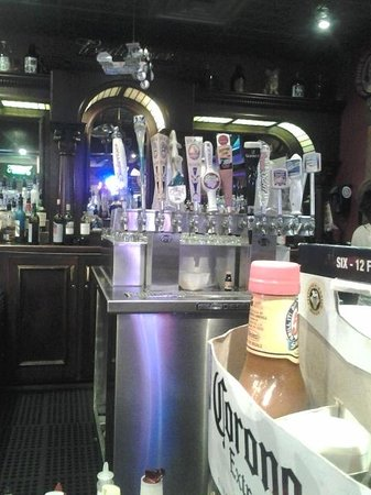 Zax Restaurant & Watering Hole : Bers on tap