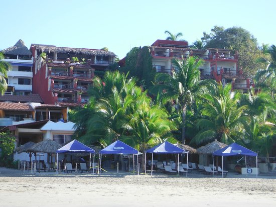 Aura del Mar Hotel: View of the hotel from the water