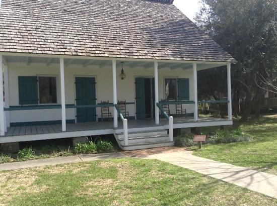 Vermilionville: a typical house in Vermillion