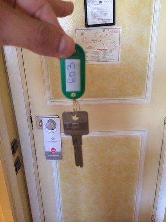 Kenzi Basma : Awful room key