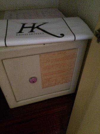 Kenzi Basma : Supposed to be a safe box!!