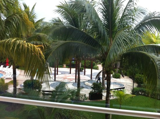 Azul Beach Resort Sensatori Mexico: View from balcony.