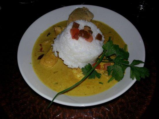 Pipiri Palace Restaurant: mahi-mahi in curry sauce