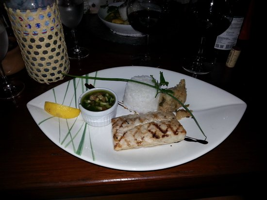 Pipiri Palace: mahi-mahi with virgin sauce