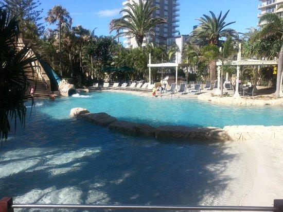 Mantra Sun City: Beautiful pool