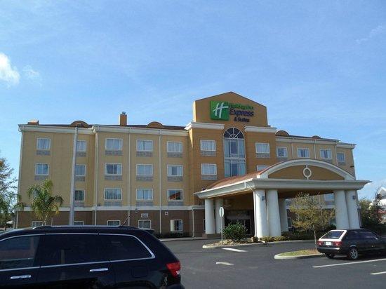 Holiday Inn Express Hotel & Suites Palatka Northwest: Exterior