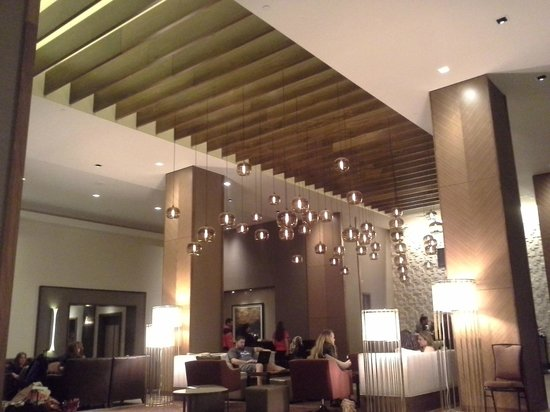 Grand Hyatt Denver Downtown : Beautiful lobby with in-wall fireplaces