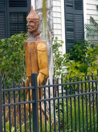 Tree Sculptures : Oz' s Tinman