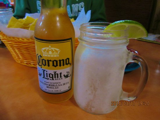 Monte Real Mexican Restaurant: Ice-frosted mason jar mug & extra large lime
