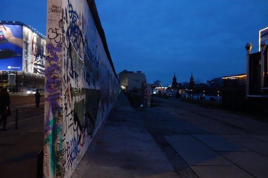 East Side Gallery: The Berlin Wall