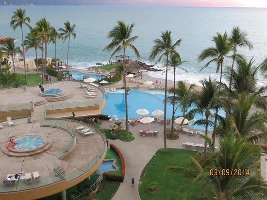 Sunset Plaza Beach Resort & Spa: Wonderful View from Room 615