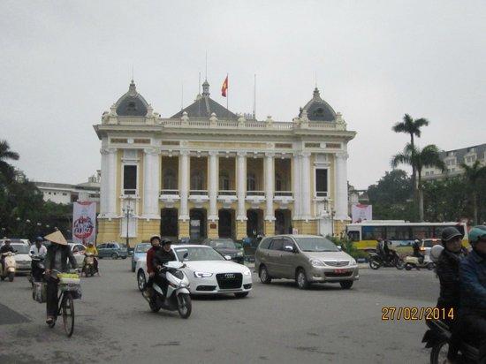 Hanoi Opera House: View