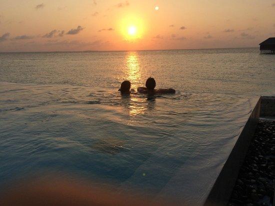 Dusit Thani Maldives: Lagun villa private pool